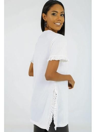 Emjey Kolları Ve Yanları Fırfırlı T-Shirt Beyaz